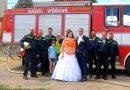 Jeden náš hasič se ženil :-) Gratulujeme novomanželům