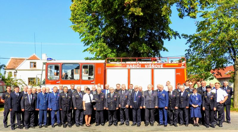 Zasloužilí hasiči okresu Znojmo se sešli ve Višňovém