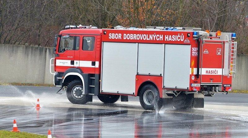 Naši 4 strojníci – řidiči se zúčastní výcviku na autopolygonu Brno